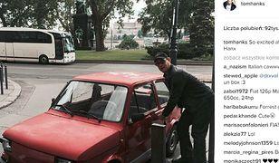 """Tom Hanks pokazał zdjęcia swoich """"nowych samochodów"""". Jednym z nich okazał się Fiat 126p"""