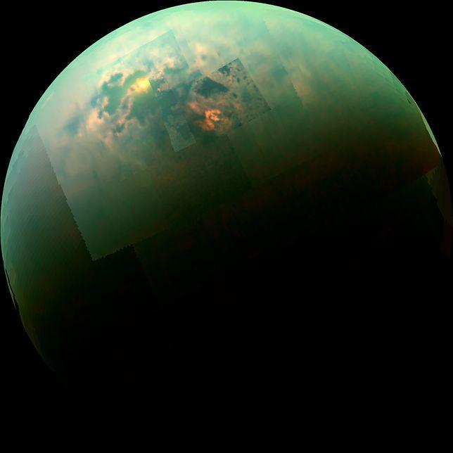 Jeziora na powierzchni Tytana odbijają promienie słoneczne