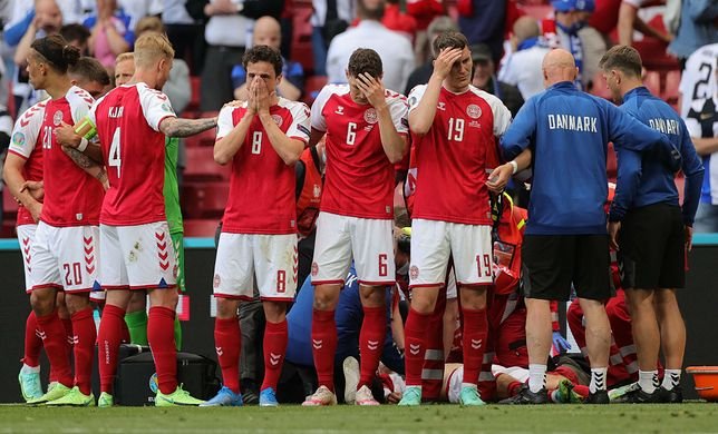 Dramatyczne sceny podczas meczu Dania-Finlandia. Reanimacja na murawie