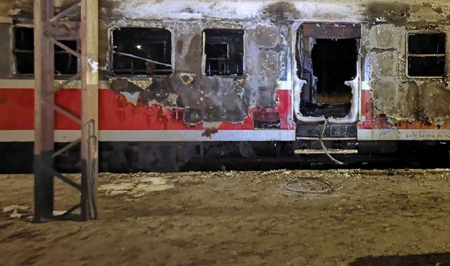 Sośnie Ostrowskie. Pociąg wjechał na stację i zaczął płonąć