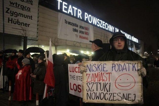 """Teatr Powszechny z dotacją od miasta za """"Klątwę""""? Ratusz: """"to manipulacja"""""""