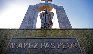 Pomnik Jana Pawła II zostanie przeniesiony. Jest zgoda rady miasta i diecezji