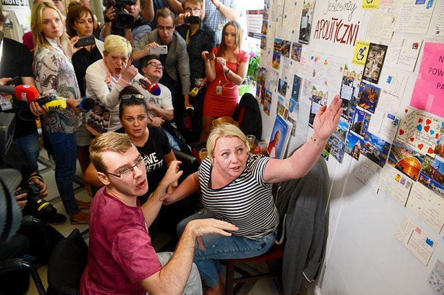 Iwona Hartwich i jej syn Jakub mają zakaz wejścia do Sejmu. Do 2020 roku