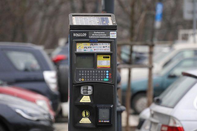 Warszawa. Radni zdecydowali o płatnym parkowaniu na Żoliborzu i Ochocie