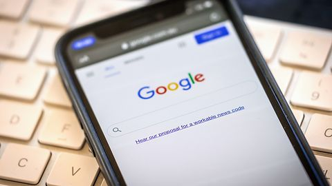 Grube miliardy od Google'a dla Apple'a