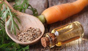Olej z nasion marchwi stymuluje odnowę komórkową i przyspiesza regenerację skóry