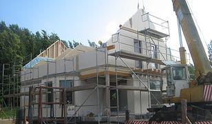 Budowa domu z prefabrykatów. Fakty i mity