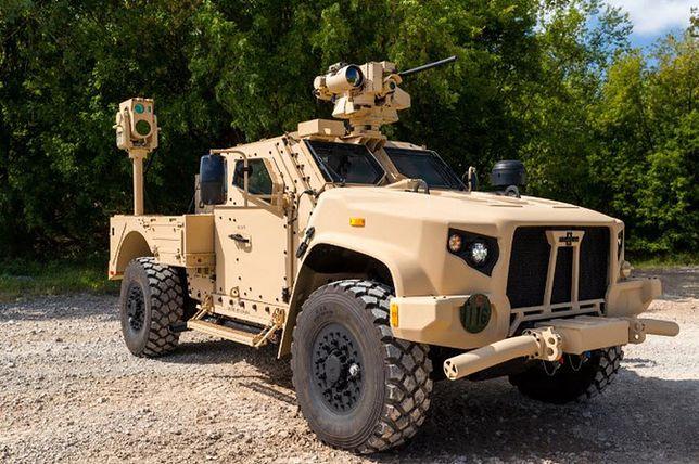Działo laserowe umieszczone na pojeździe terenowym