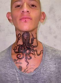 Dramat influencera! Tatuaż na szyi nie otwiera konta na Instagramie