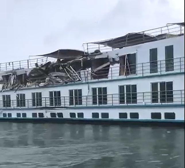Zderzenie statku pasażerskiego z towarowym na Dunaju
