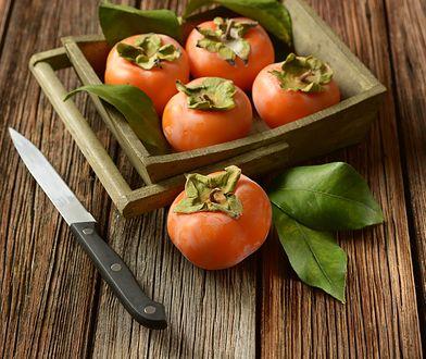 Kaki. Jak wykorzystać egzotyczny owoc na kilka sposobów? Skorzystaj z przepisów