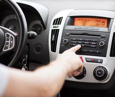 Współczesne radioodbiorniki samochodowe łączą się z niemal każdym urządzeniem przenośnym