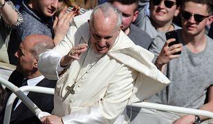 Papież Franciszek w czasie spotkania z wiernymi w Watykanie
