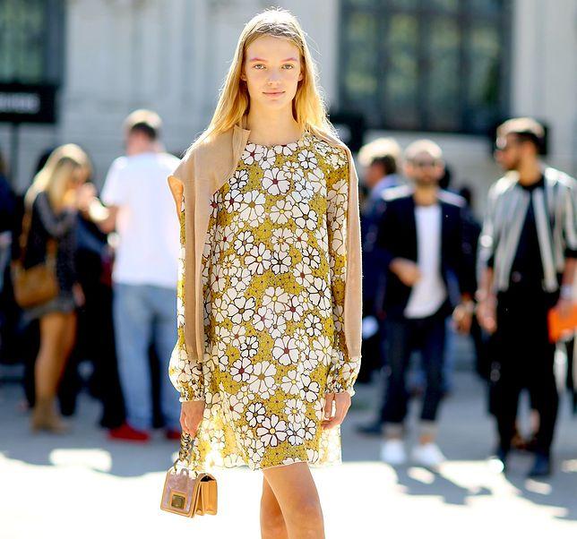 Kwieciste ubrania na wiosnę. Które wybrać, aby uniknąć banalnej stylizacji?