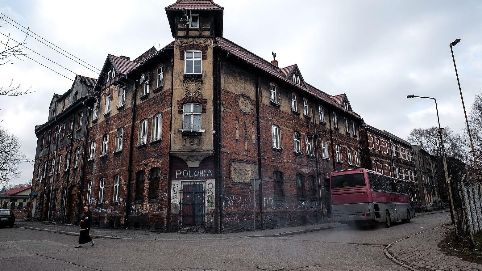 """Życie w mieście, które się wali: """"Tutaj kiedyś stał mój dom"""""""