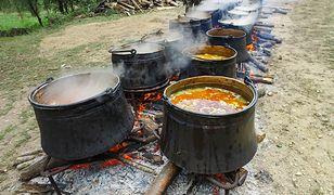 Kuchnia wojskowa w Polsce kojarzy się przede wszystkim z grochówką