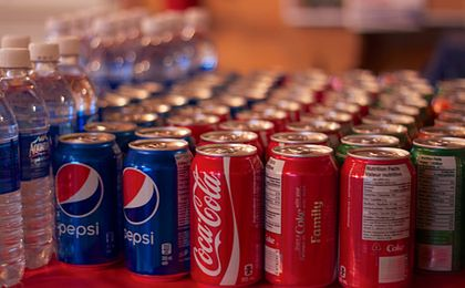 Która cola jest lepsza? Zobacz, jak Pepsi walczy o klientów