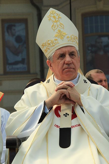 Abp Andrzej Dzięga ma swoje zdanie na temat aborcji