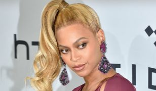 Beyonce pokazała ciążowy brzuszek w obcisłej sukience