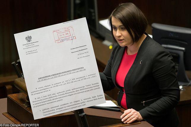 Anna Siarkowska (PiS) składa zawiadomienie do prokuratury ws. profanacji obrazu Matki Boskiej Częstochowskiej