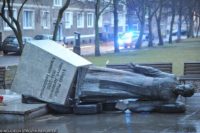 Pomnik przewrócono ok. 3 w nocy