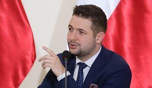 Z sondażu wynika, że Patryk Jaki cieszy się o wiele większą rozpoznawalnością niż Rafał Trzaskowski