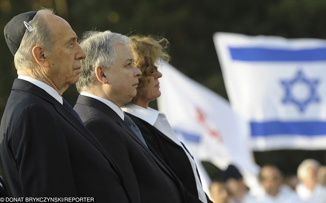 Prezydenci Szymon Peres i Lech Kaczyński w 2008 r. oddali cześć powstańcom z warszawskiego getta