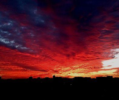 Piękny zachód słońca nad Warszawą (WASZE ZDJĘCIA)