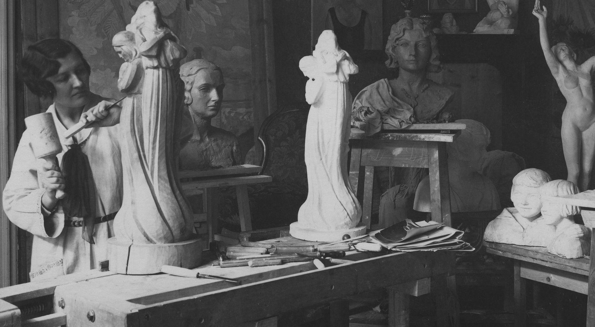 Baltarowicz-Dzielińska w swojej pracowni, 1931 r.
