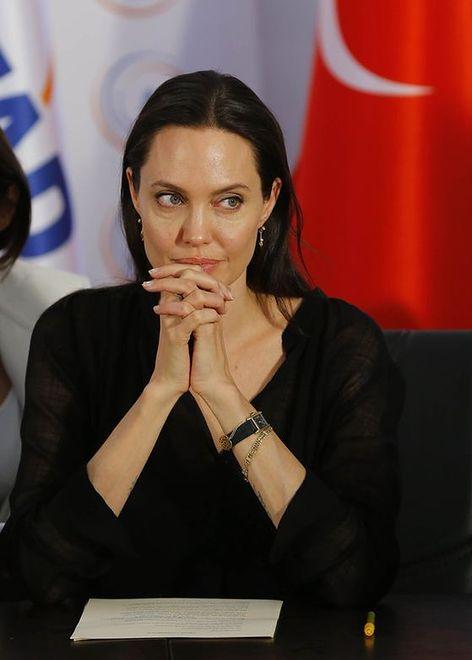 Angelina Jolie - gwiazda filmowa i święta