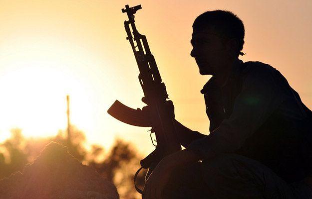 Rebelianci PKK od lat walczą o niepodległe państwo, na obrzeżach kilku krajów (na zdj. w syryjskim mieście Ain Issi)