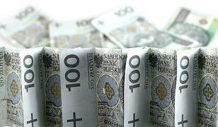 Polacy coraz chętniej zaciągają kredyty
