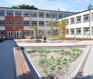 Warszawa. Otwarto proekologiczne patio przy wolskiej szkole
