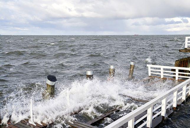 W poniedziałek na wybrzeżu porywy wiatru mogą sięgać 100 km/h