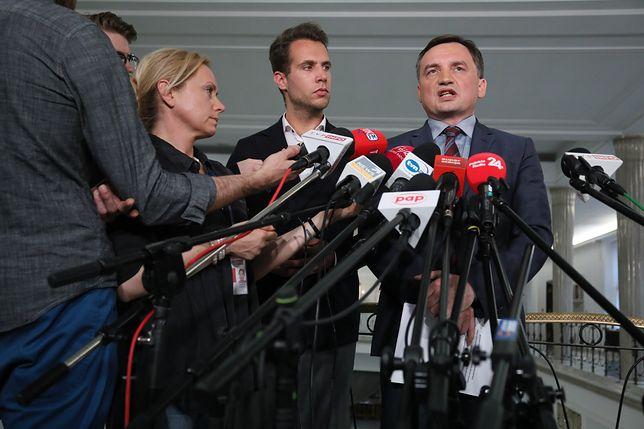 Opozycja wzywa Zbigniewa Ziobrę do reakcji