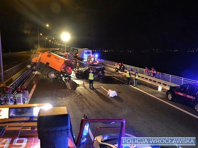 Wrocław. Tragiczny wypadek na AOW. Zginął 39-letni kierowca BMW