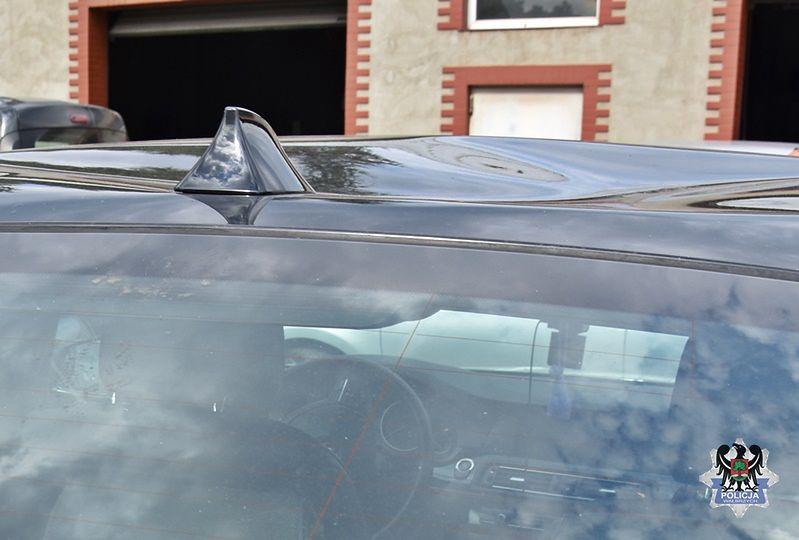 Wrocław. Mściła się na byłym chłopaku niszcząc mu samochód. Uderzała w auto kijem bejsbolowym