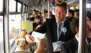 W Poznaniu zamiast sprawdzać bilety, rozdawali pasażerom karty PEKA