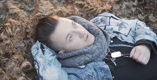 """Paweł Tur w klipie """"Wiosna"""""""