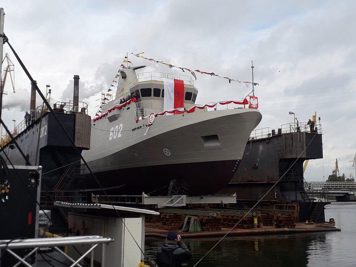 ORP Albatros zwodowany. Polski niszczyciel min został ochrzczony