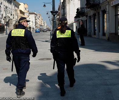 Strażnicy mają prawo wejść na dowolną posesję. Uniemożliwianie im działania to przestępstwo.