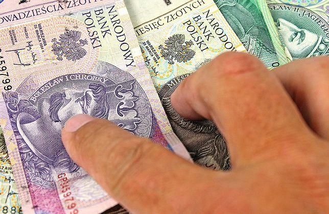 500 plus dla emerytów. Od terminu złożenia wniosku zależy to, kiedy wpłyną pieniądze