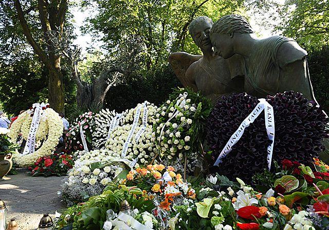 Tłumy pożegnały najbogatszego Polaka - zdjęcia