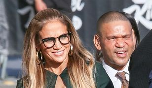 Jennifer Lopez i jej seksowne okulary