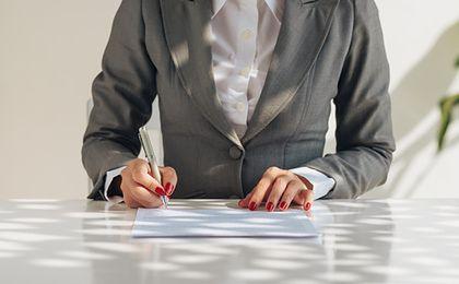 Umowa o pracę. Defańska-Czujko: zmiany w Kodeksie pracy pomogą zatrudnionym na czas określony