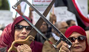 Kobiety protestujące przeciwko zamordowaniu dziennikarza