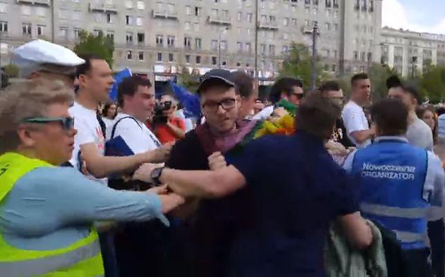 PO chce Polski przyjaznej i uśmiechniętej? Ten film temu przeczy