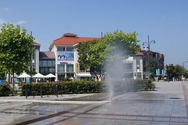 Jest już kurtyna wodna na Placu Przyjaciół Sopotu