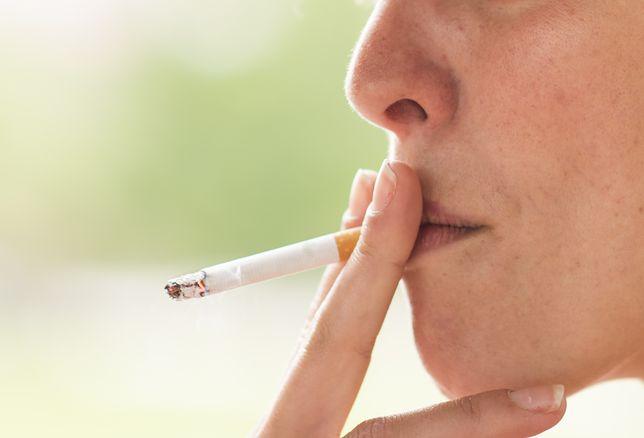 """Nikotyna w służbie zdrowiu? """"Może pomóc przy chorobie Alzheimera"""""""