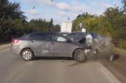 #dziejesiewmoto [434]: Nieudane wyprzedzanie, sposób na awarię wycieraczek i wypadki polskich kierowców
